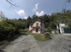 Villa e casale Pero loc. Campo Marzio - Cod.: 258