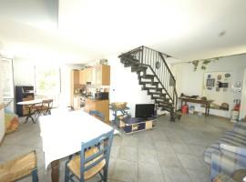Appartamento su 2 livelli cod aff-104